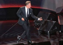 Critican a Luis Miguel por concierto en el Auditorio Nacional