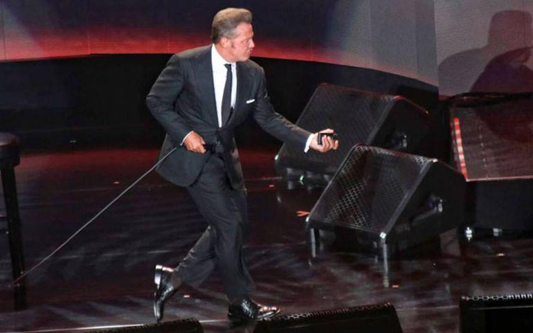Nuevo papelón sobre el escenario de Luis Miguel en México