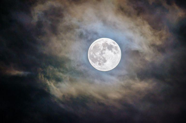 Así se vio la última luna llena del 2018