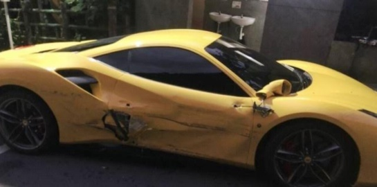 Ferrari choque en Taipéi