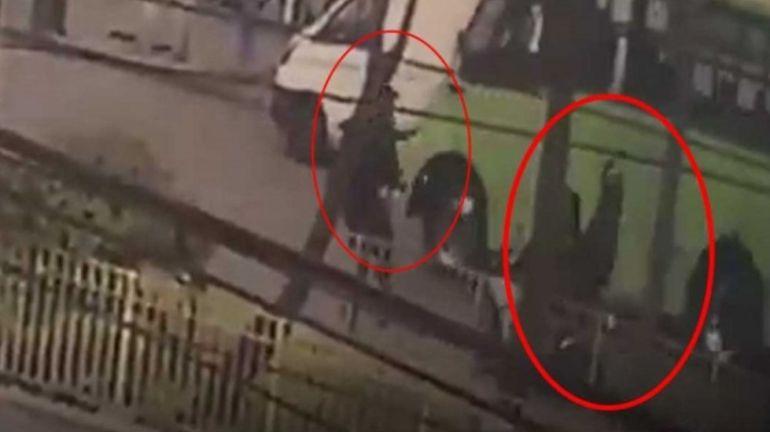 Acto heroico: Policía se para frente a ladrones en moto para capturarlos