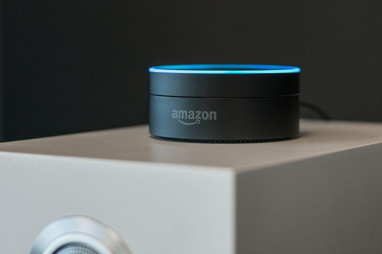 ¡Alexa!, ¿Cuánto es 5 – 3?
