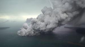 tsunami creado por erupción de Anak Krakatoa