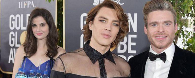 Golden Globes: Chica que repartía agua fue la sensación en alfombra roja
