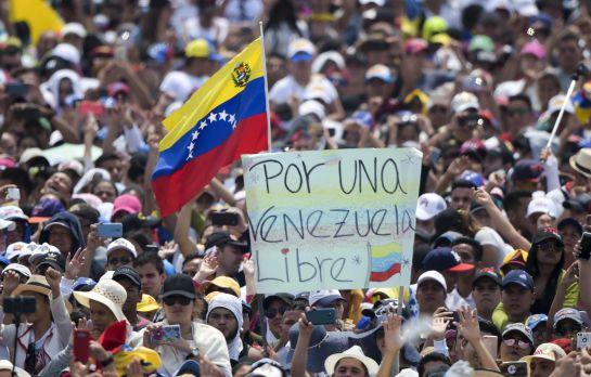 """""""Venezuela Aid Live"""" vs """"Hands off Venezuela"""", un duelo de conciertos en ambos lados de la frontera"""