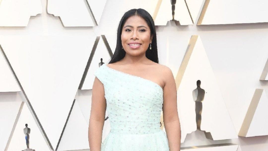 Oscar 2019: Así llegó Yalitza Aparicio acompañada de su mamá