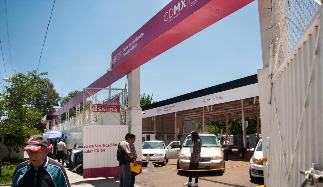 Suavizan criterios de verificación vehicular en la CDMX