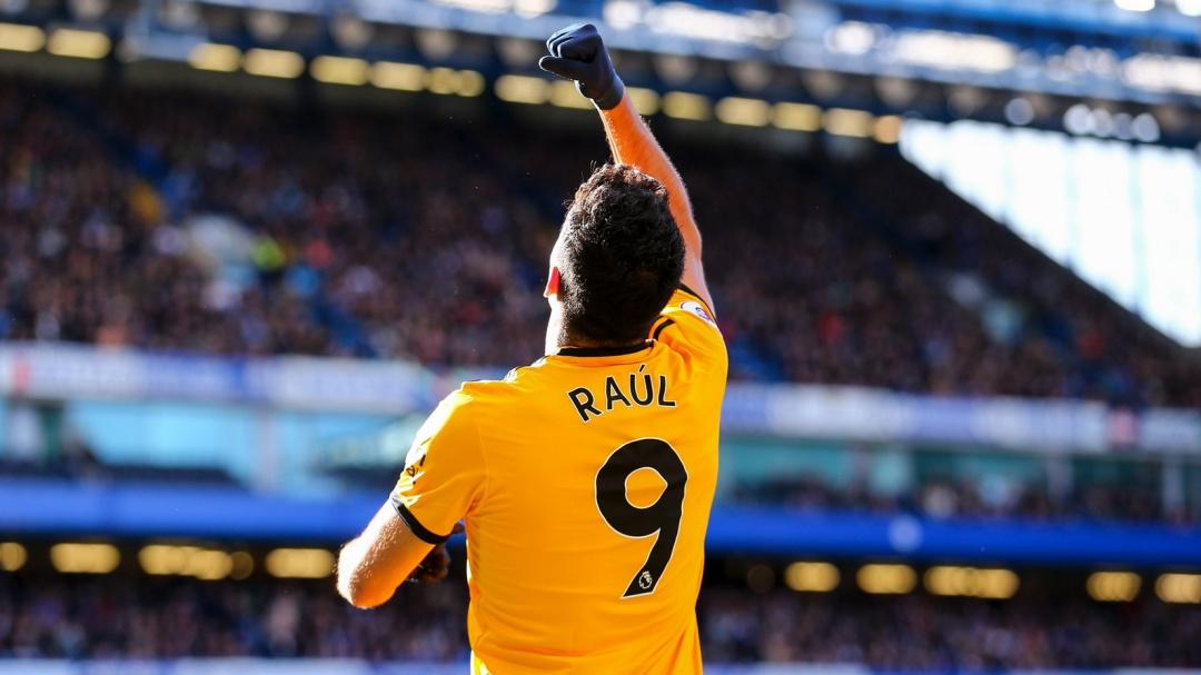 Raúl Jiménez anota gol al Chelsea y así demuestra que está en gran momento