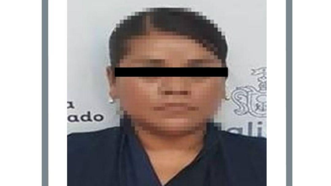 Mujer vendía en internet fotos de niña desnuda en Chapala