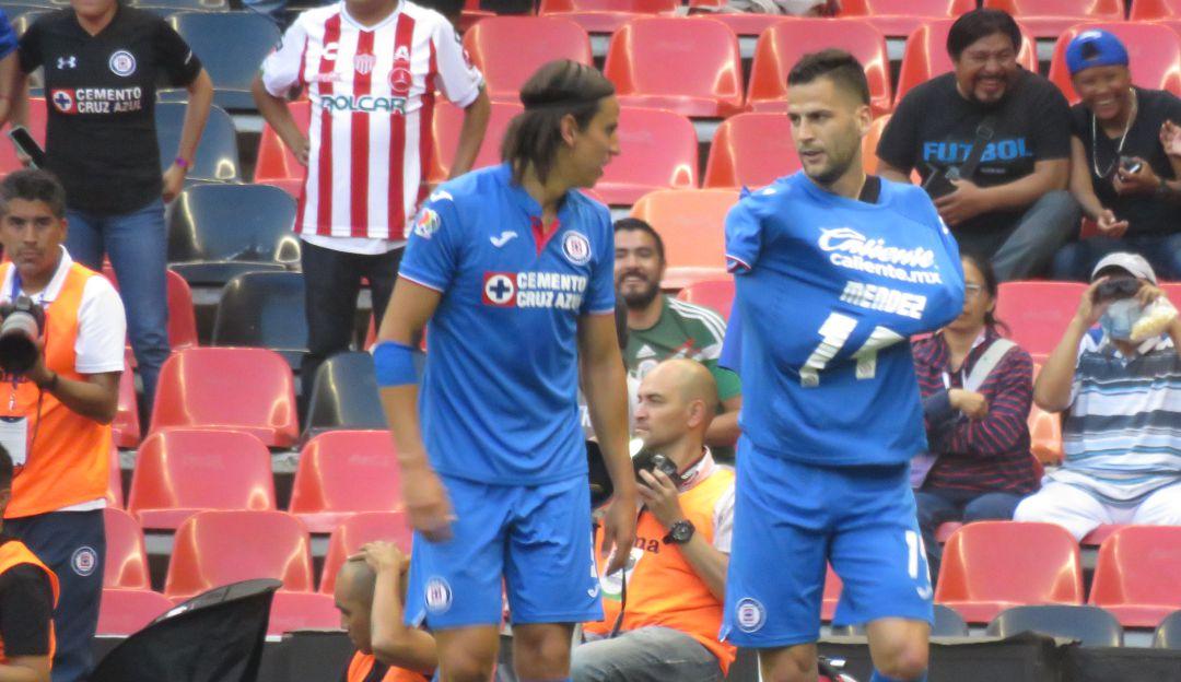 Edgar Méndez festeja su gol