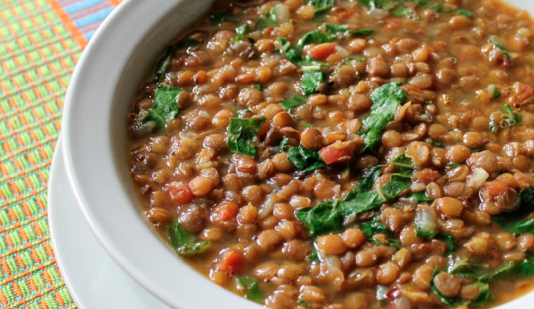 Directo a tu dieta; la sopa de lentejas reduce riesgo de cáncer e infartos