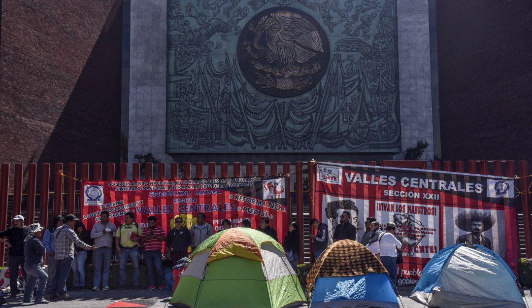 Suspende la Cámara de Diputados sesión de hoy por bloqueo de la CNTE