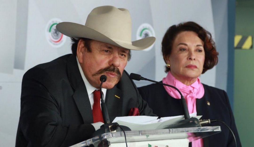 """""""Parecen retrasados mentales""""; así llamó senadora de Morena a reporteros"""
