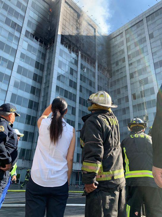 Sheinbaum: Se revisarán condiciones de edificio de Conagua tras incendio