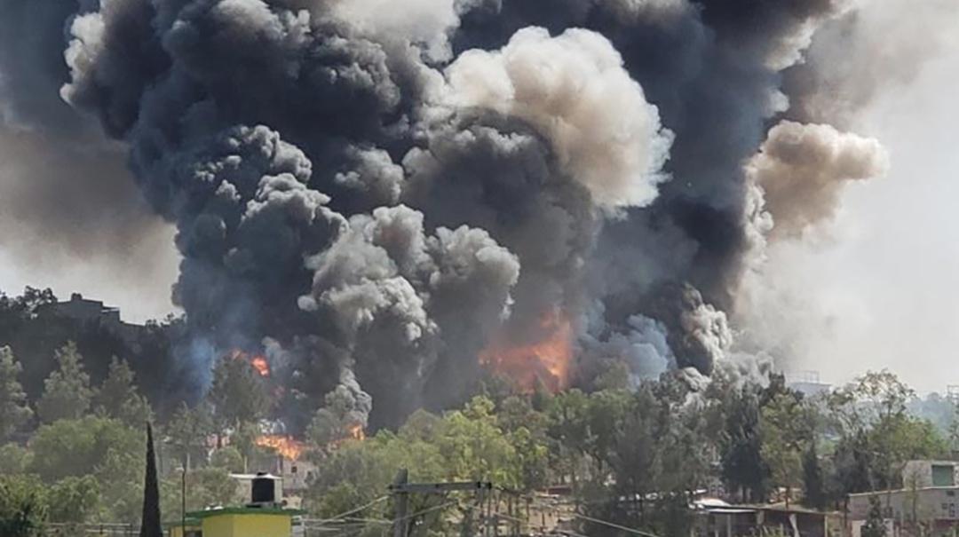 Explota fábrica de cohetes en Chimalhuacán
