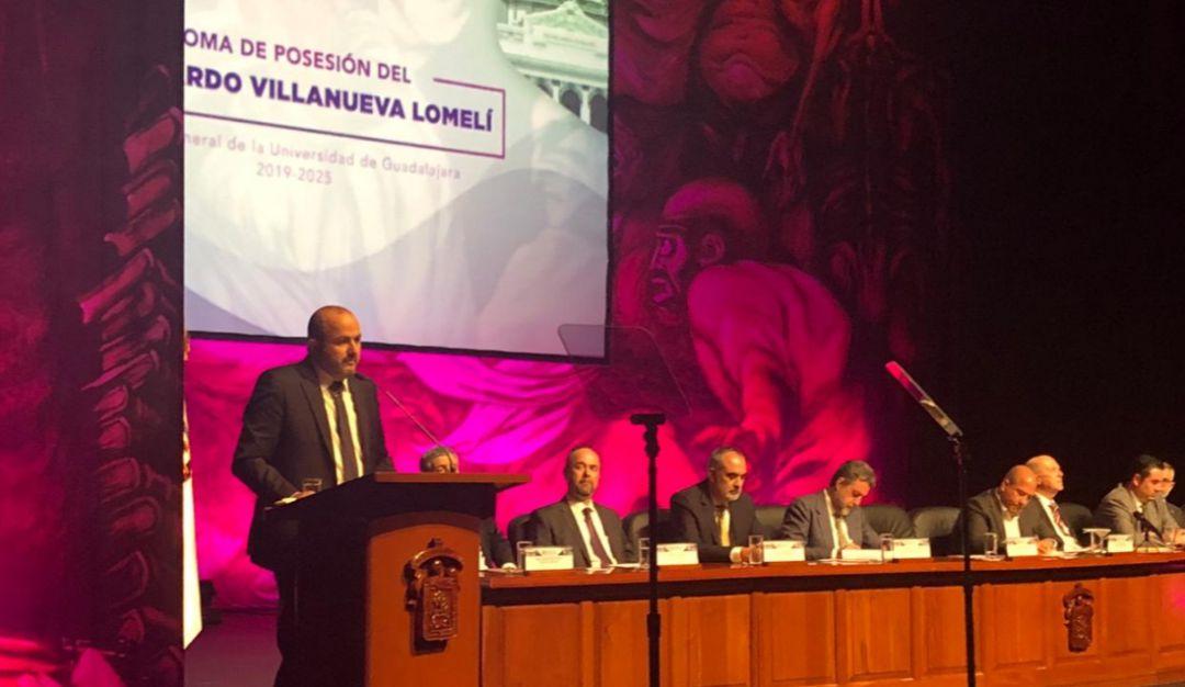Ricardo Villanueva rinde protesta como rector de la UdeG