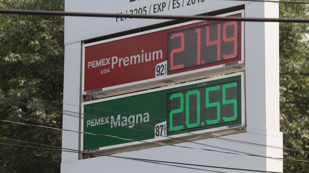 Responsabiliza AMLO a estaciones de gasolina de altos precios