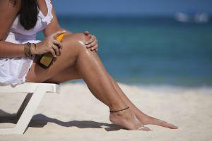 ¿Cómo cuidar la piel del sol? Bronceador