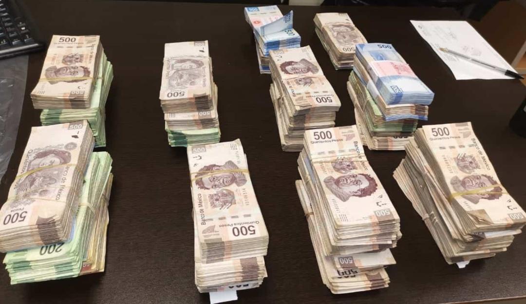 Alto ahí; empleada bancaria intentó llevarse en su bolso 1 millón 877 mil