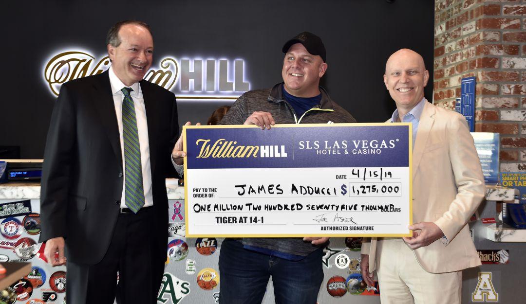 James Addmeei ganó esta increíble cantidad gracias al Tiger Woods.