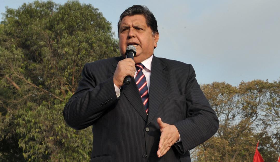 Alan García, ex presidente de Perú, se quitó la vida con tiro de gracia
