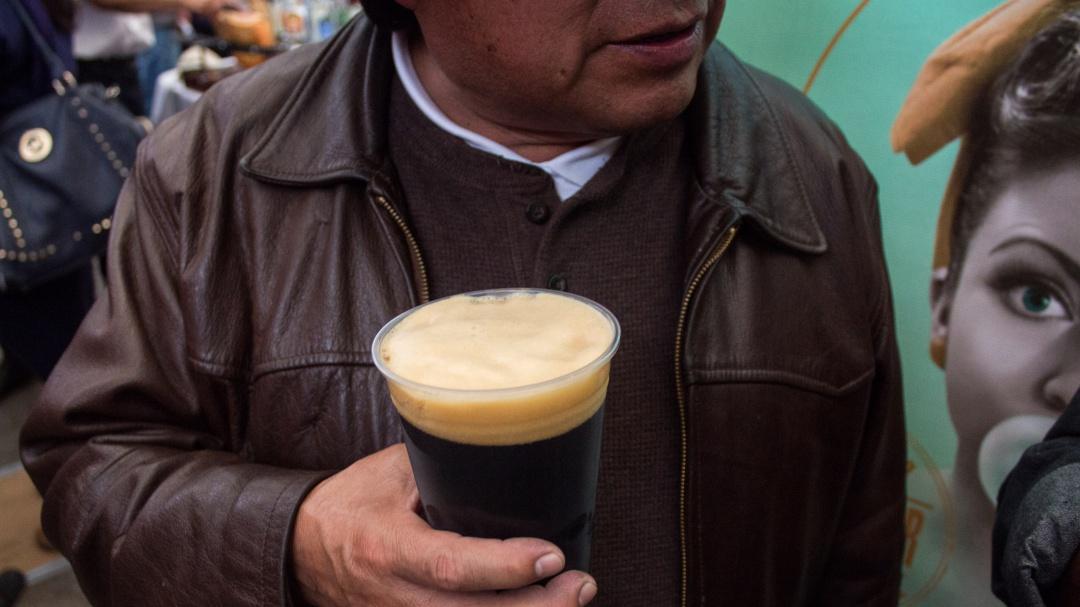 """Morena propone vender cerveza """"al tiempo"""" en la CDMX"""