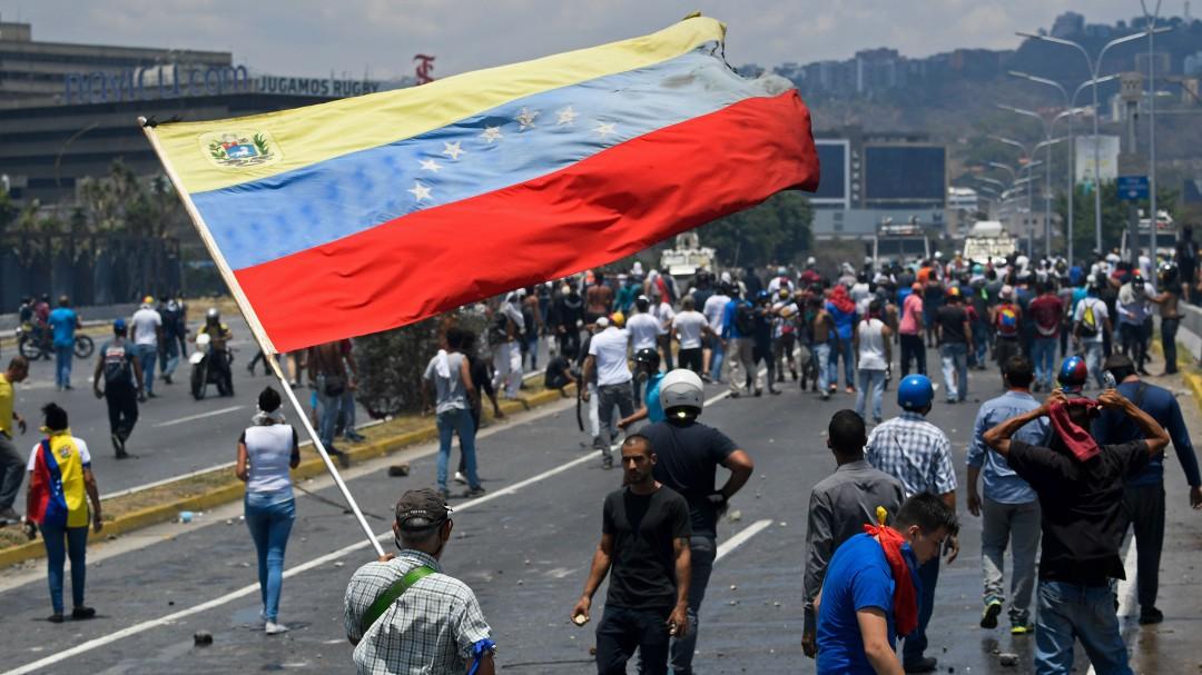 Juan Guaidó lidera levantamiento militar en Venezuela