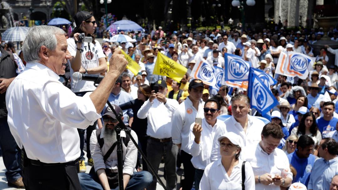 Candidato del PAN por Puebla sigue cobrando beca Conacyt