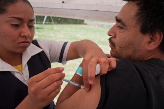 Si naciste entre 1970 y 1989 esta es la vacuna que podrías necesitar