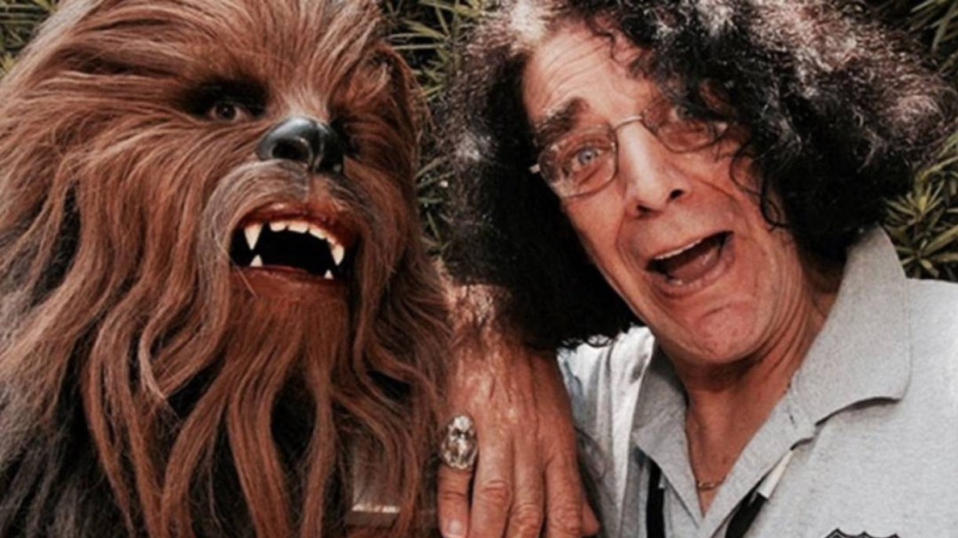 Murió Peter Mayhew, actor detrás de Chewbacca en Star Wars