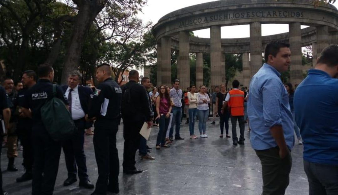 Sin incidentes, realizan macrosimulacro en Palacio de Gobierno