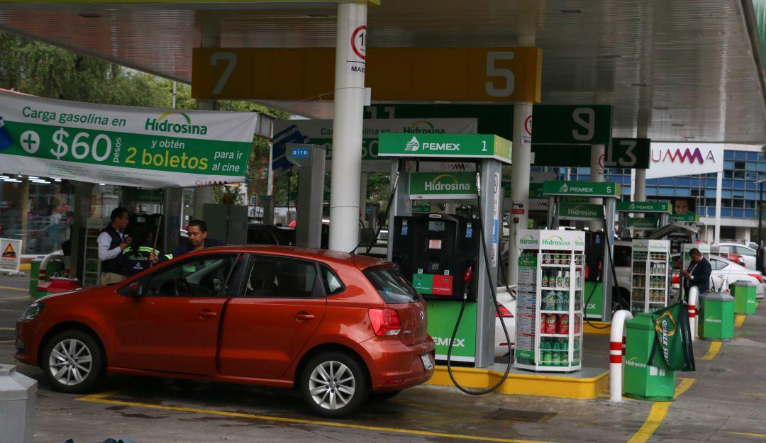 Tres de cada 10 gasolineras no despachan litros completos: Profeco