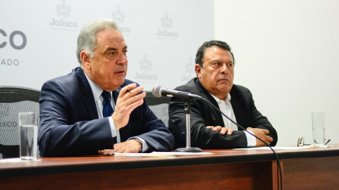 Escapan 2 reos del penal de Ciudad Guzmán