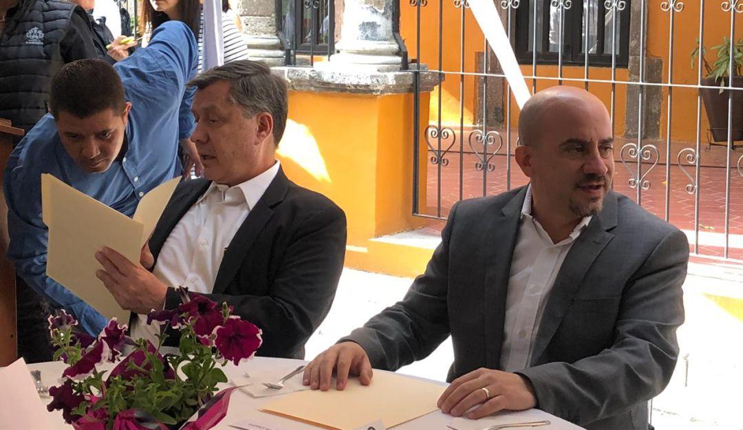 Ismael del Toro cubre gastos médicos de policía agredido a balazos