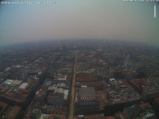 México en el lugar tres del ranking de aires más contaminados del mundo. Fotografía extraída de webcams de México, donde se aprecia a la Ciudad de México cubierta por una nata de smog por contaminación atmosférica.