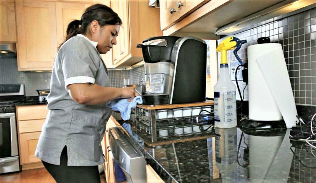 Afiliar trabajadoras domésticas al IMSS beneficiaría a agencias: CCPG