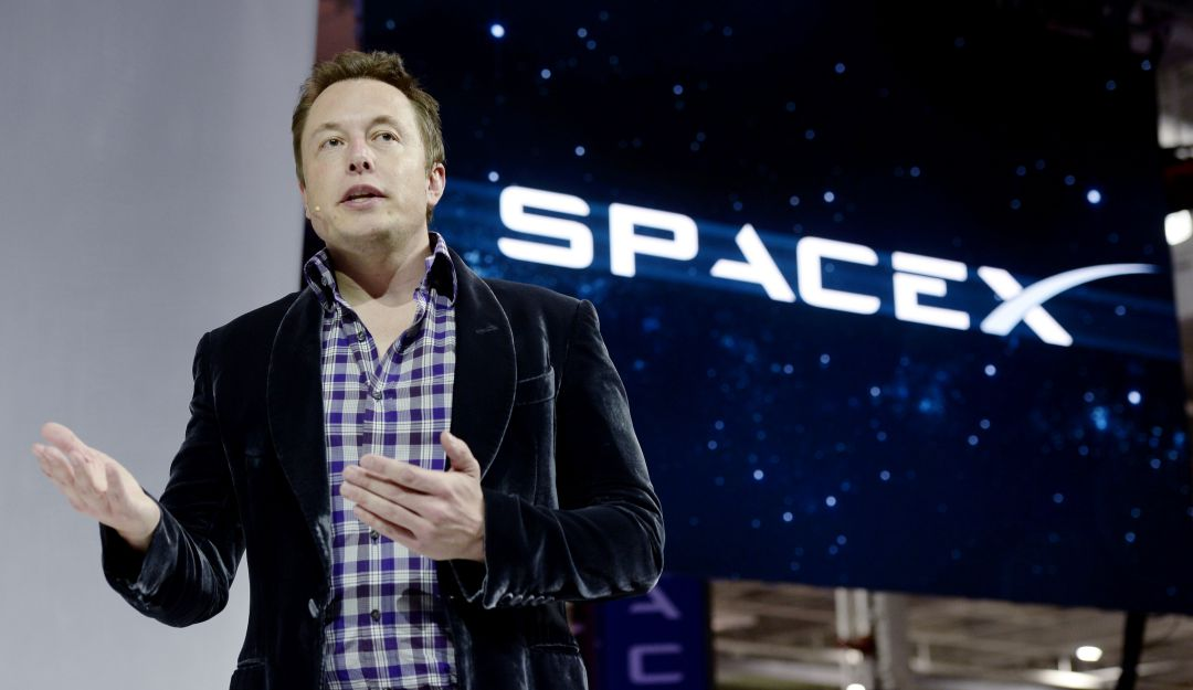 Elon Musk planea brindar internet gratis al mundo