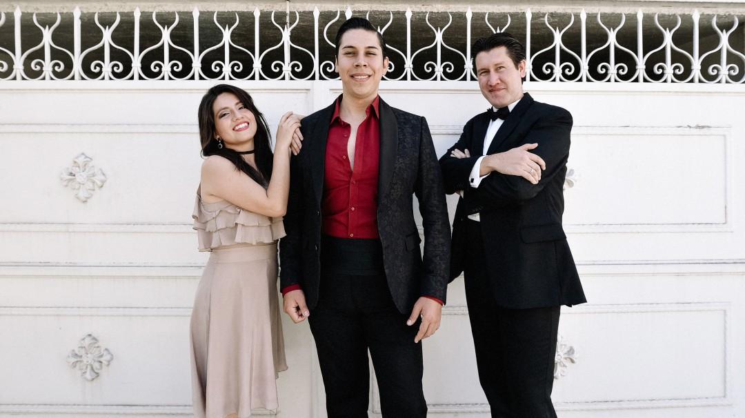 Tenor y violinista Alan Hernández en Andares