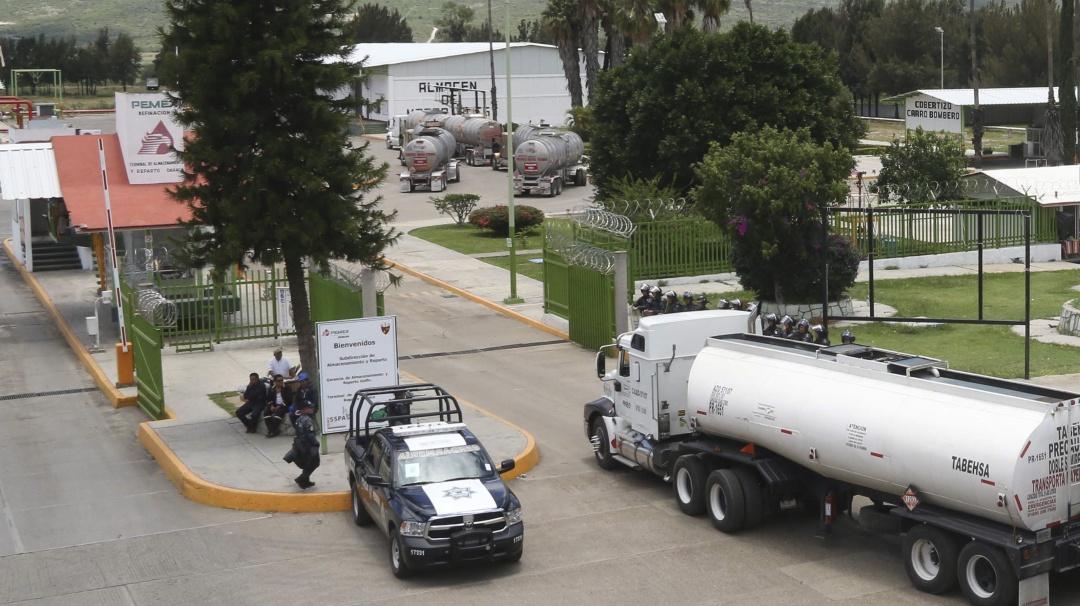 Dan 15 años de cárcel a 2 huachicoleros por robo de hidrocarburos en Oaxaca