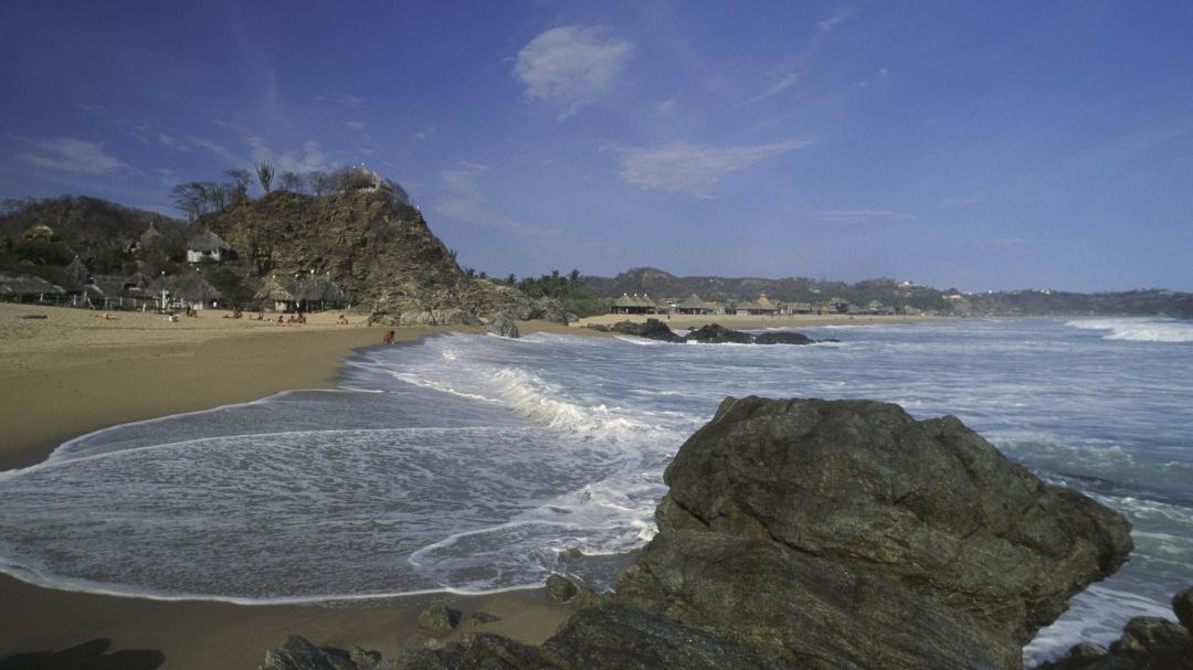 Zipolite, la mejor playa para despojarte de la ropa y disfrutar