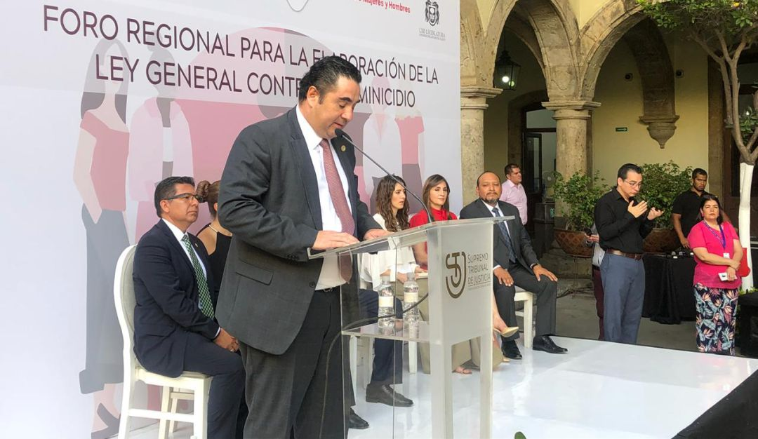 Ricardo Suro cuestiona que intenten quitar el haber de retiro