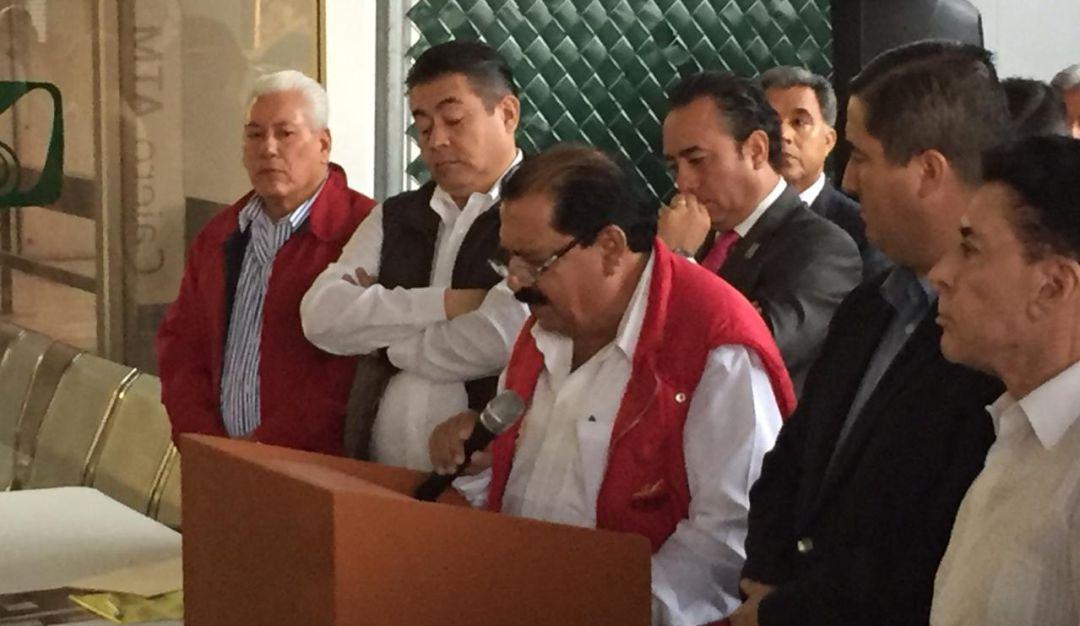 Empresarios rechazan plan de salud propuesto por AMLO