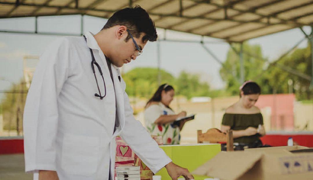 Doctor en Bicicleta, el proyecto que surgió de un día sin gasolina