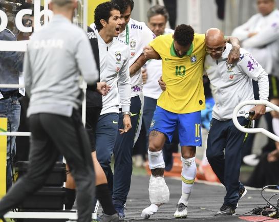 Neymar se lesionó en el amistoso de Brasil contra Qatar y ha quedado fuera de la Copa América