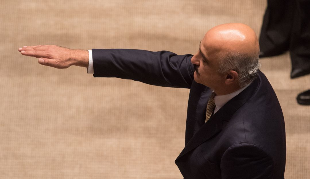 Congreso ratifica a Ricardo Ahued al frente de aduanas