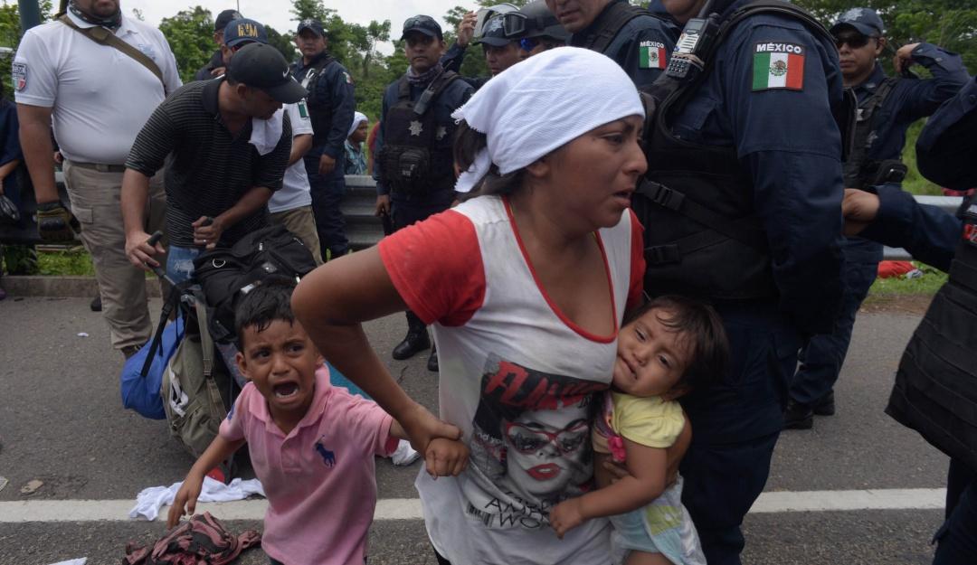 Bloquea Hacienda cuentas supuestamente vinculadas a tráfico de migrantes
