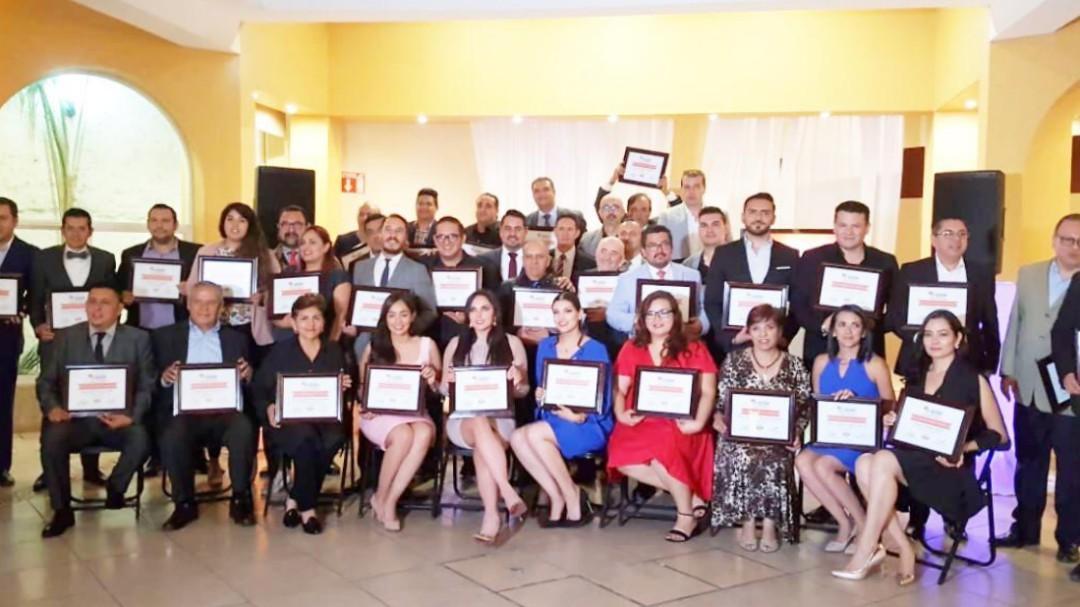 Reconocen a periodistas y comunicadores de Jalisco