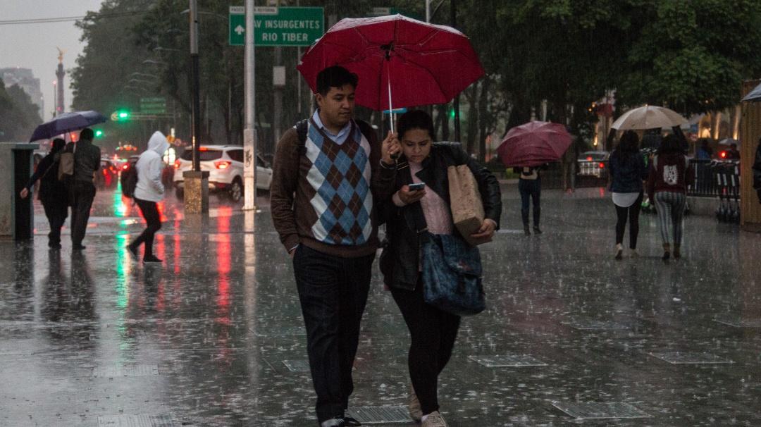 Prepara el paraguas; se espera lluvia y granizo en el Valle de México