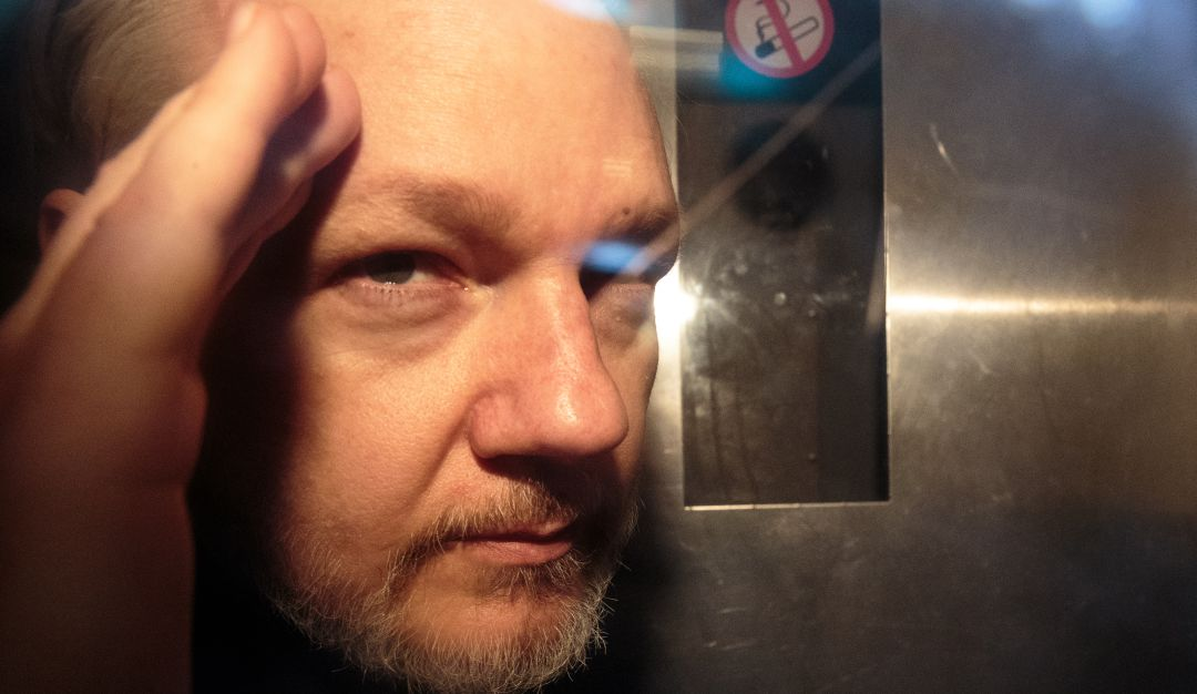 Firman orden de extración para Julian Assange