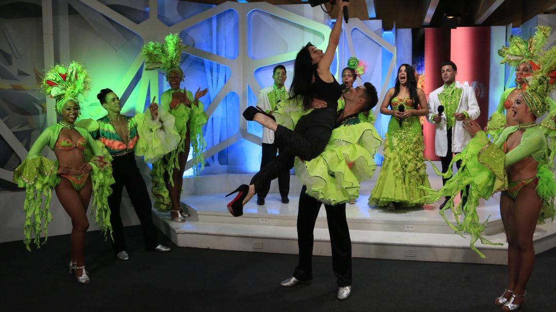 FB LIVE: Cabaret Tropicana con Martha Debayle